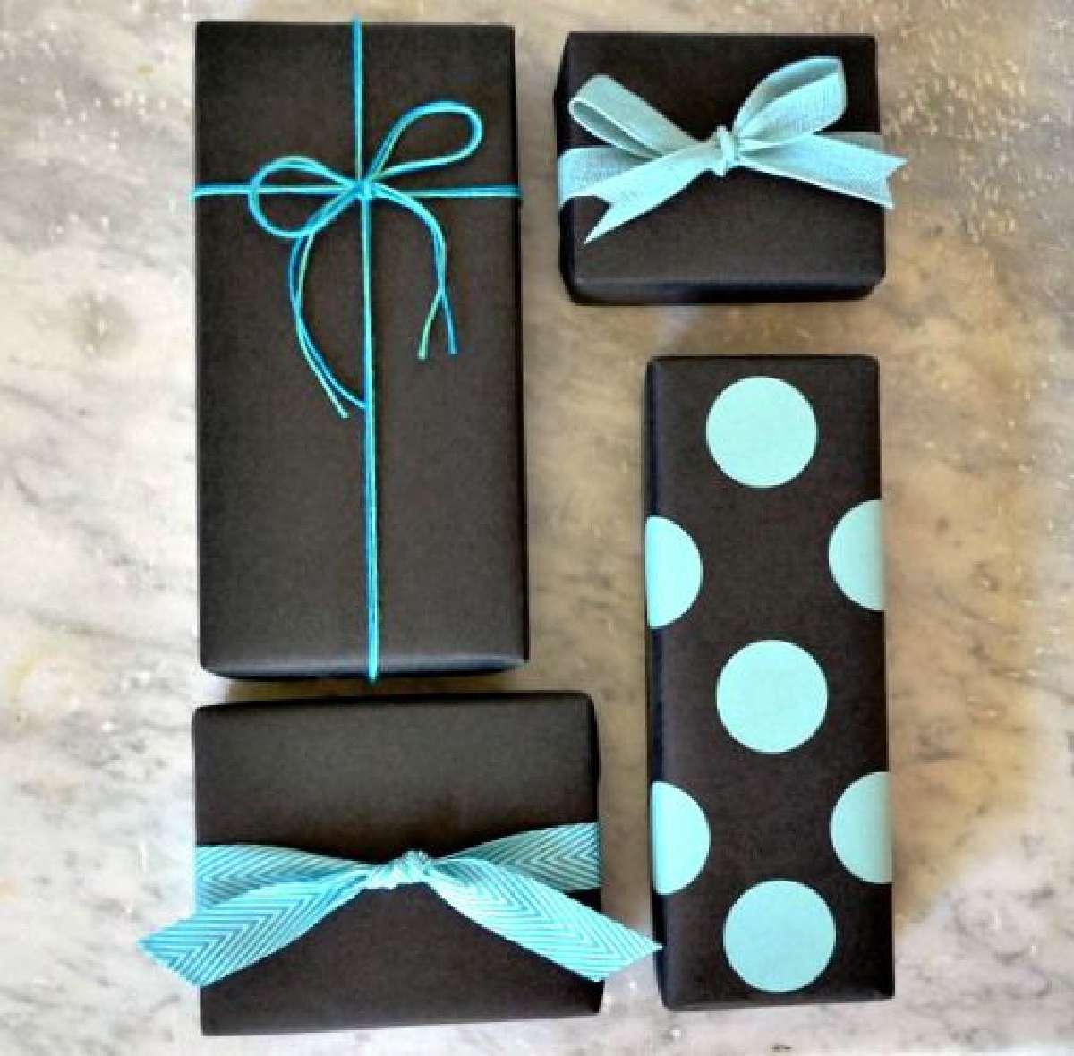 Originales ideas para decorar y envolver los regalos navideños 12