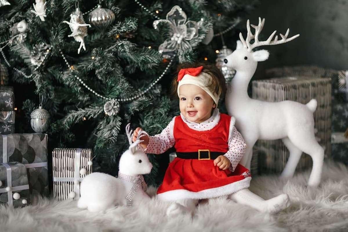 Cómo hacer un traje de Papá Noel para bebé 6