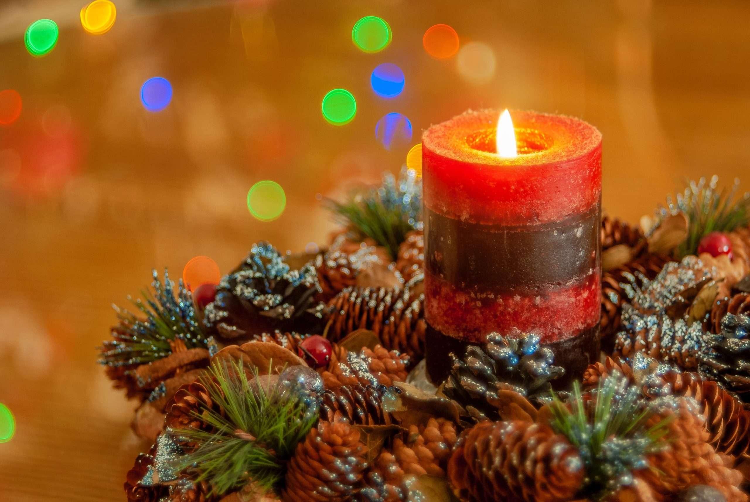 Cómo decorar velas navideñas usando servilletas de papel 6