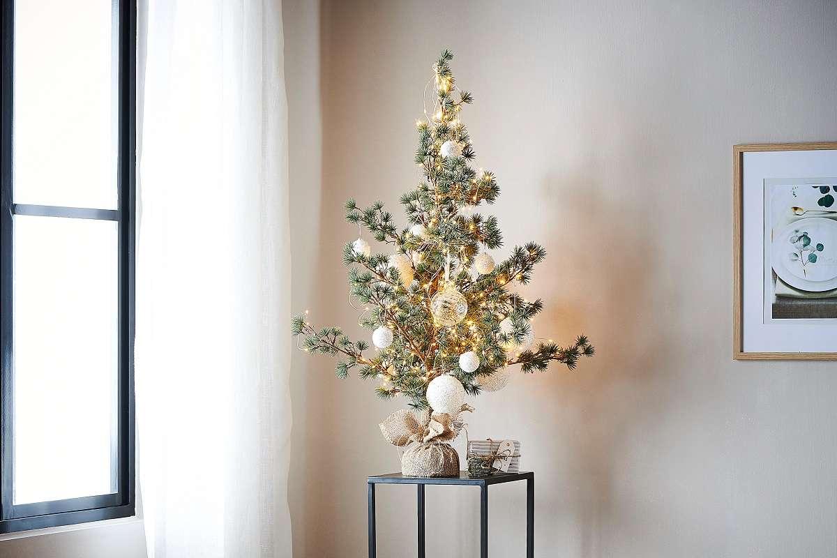Árboles de Navidad y luces navideñas para un fin de año mágico 5