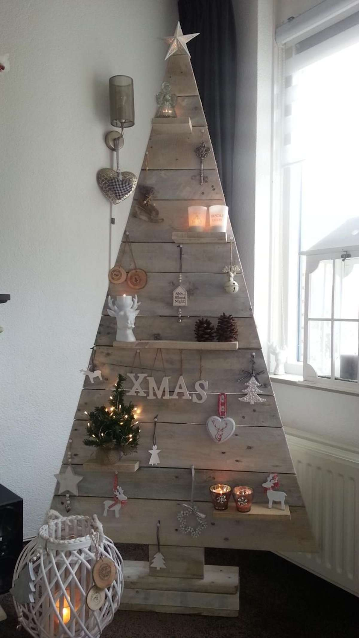 Árboles de Navidad originales y caseros para decorar tu casa 10