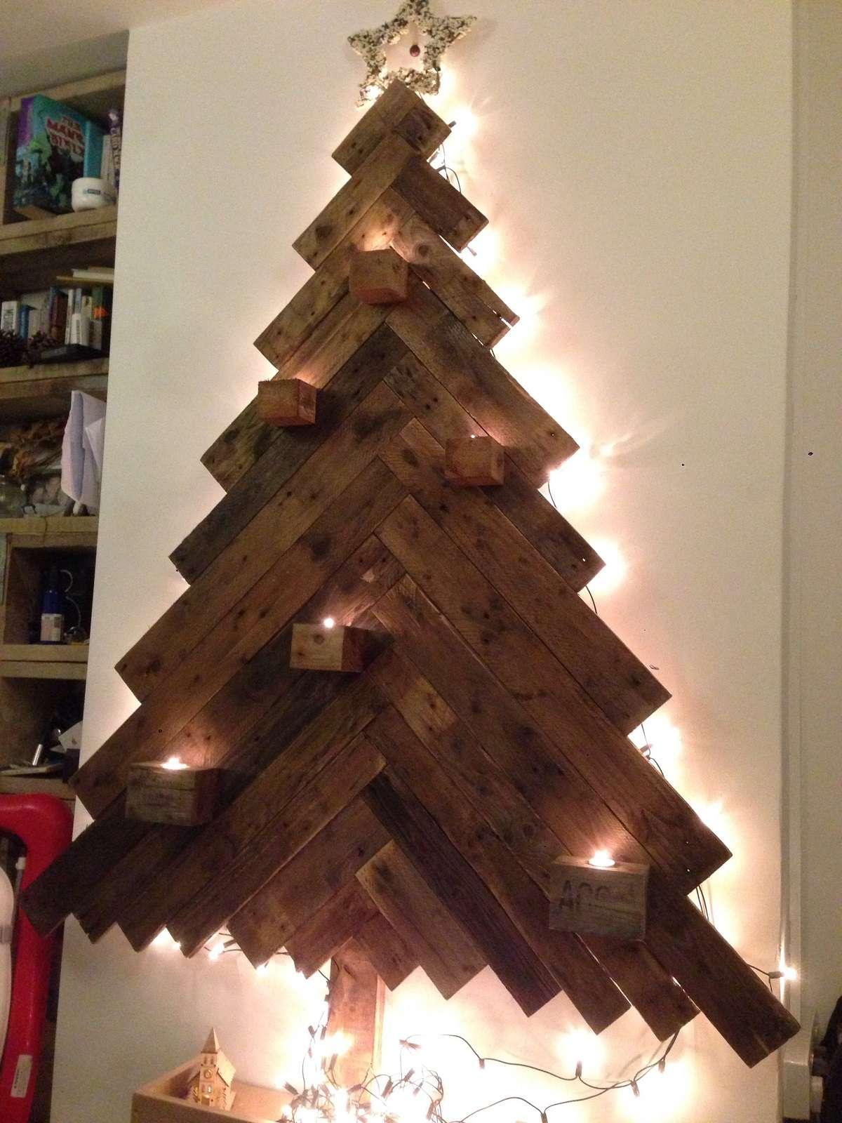 Árboles de Navidad originales y caseros para decorar tu casa 9